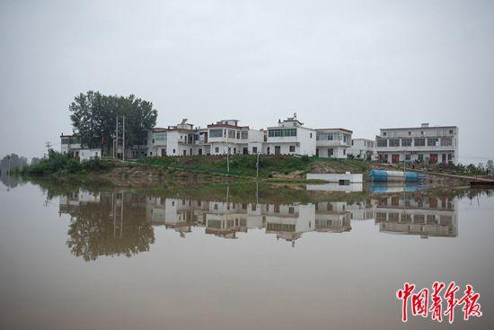 安徽省阜南县:在蓄洪区,在无奈之中,等洪水退去